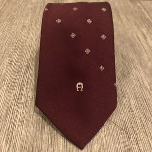 Etienne Aigner burgundy Red Accented Tieb